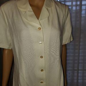 AGB Byer California shirt sleeve cream blouse LG.